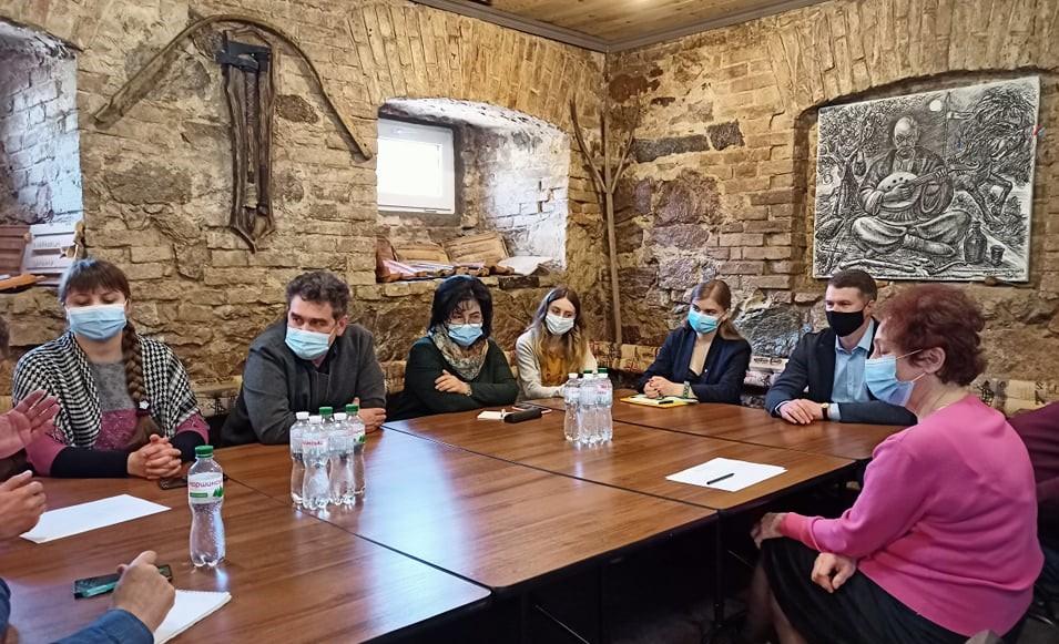 Етнічні спільноти Приазов'я: дискусія в Приморську (Запорізька область)